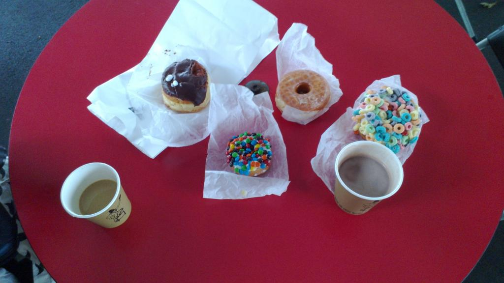 Finally, one of the famous place in Portland is Voodoo Donuts, they taste sooo good!